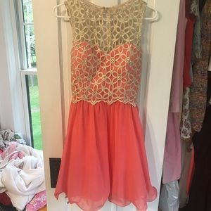 Fun dress with sparkly top and chiffon bottom